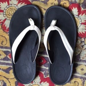Olukai Kulapa White Flip Flops